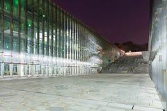 La notte ha sparato della biblioteca sotterranea dell'università della donna di Ewha - Seoul, Corea del Sud Immagine Stock