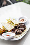 La nourriture du Moyen-Orient a mélangé le repas réglé de viande grillé par barbecue de BBQ photographie stock libre de droits