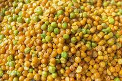 La nourriture faite main colorée localement a appelé Dabli Vaja dans un Bangla Pohela Baishakh juste Photos stock