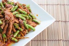 La nourriture thaïlandaise, porc a fait frire des lentilles images libres de droits