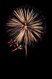 la nouvelle année de feux d'artifice célèbrent - le bel isolant coloré de feu d'artifice Photo stock