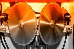 La nouvelle circulaire industrielle moderne a vu des disques Rouge modifié la tonalité images libres de droits