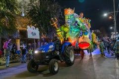 La Nouvelle-Orléans, LA/USA - vers en février 2016 : Krewe de titre dans le défilé pendant le Mardi Gras à la Nouvelle-Orléans, L Photo stock