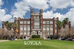 La Nouvelle-Orléans, LA/USA - vers en mars 2009 : Bâtiment principal et entrée à Loyola University à la Nouvelle-Orléans, Louisia Photographie stock