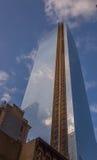 La nouvelle réflexion de nuage de World Trade Center Photos libres de droits