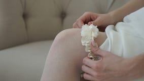 La novia lleva una liga en sus pies metrajes