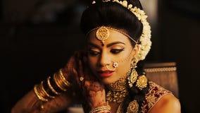 La novia lujuriante de Indiant pone los pendientes metrajes