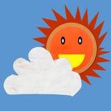 La nube ed il sole hanno fatto l'argilla del modulo su priorità bassa blu Fotografia Stock