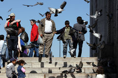 La nueva mezquita en Eminonu, Estambul, Turquía imagenes de archivo