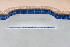 La nueva piscina remodela el banco del detalle Fotografía de archivo