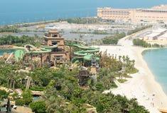 La nueva torre de Poseidon en el waterpark de Aquaventure de la Atlántida el hotel de la palma Foto de archivo