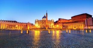 La nuit carrée de St Peter photo stock