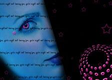 La nuit de la fille à l'extérieur estampent Images libres de droits