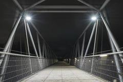 La nuit a tiré d'un pont à Ratisbonne, Bavière, Allemagne images libres de droits