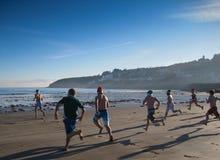La nuotata di giorno di Natale alla spiaggia di Ardmore immagini stock