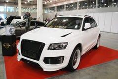 La nuova automobile bianca di Audi Q3 ad una mostra nell'Expo 2012 del croco Fotografia Stock Libera da Diritti