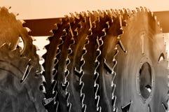 La nuova circolare industriale moderna ha visto i dischi Brown ha tonificato immagine stock libera da diritti