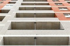 La nuova costruzione di mattone multipiana moderna del ` 40 alloggia il `, città del distretto di Krasnooktyabrsky di Volgograd U Fotografia Stock