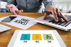 La nuova soluzione dell'inizio di PICCOLA IMPRESA per gli scopi inizia la vostra L Immagine Stock