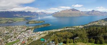 La Nuova Zelanda, Queenstown con il wakatipu del lago Immagine Stock