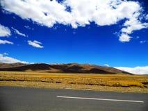 La nuvola della montagna della neve Immagini Stock