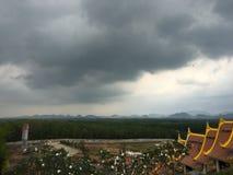 La nuvola scura Immagini Stock