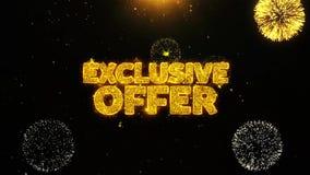 La oferta exclusiva desea la tarjeta de felicitaciones, invitación, fuego artificial de la celebración colocado almacen de metraje de vídeo