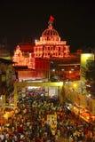 La opinión aérea Dagadu Seth Ganapati adornó pandal, reproducción del templo de Brahmanaspati Imágenes de archivo libres de regalías