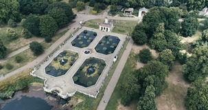La opinión aérea los italianos cultiva un huerto en Hyde Park en Londres metrajes