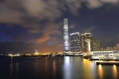 La opinión agradable de la noche morden el edificio, Hong Kong Fotografía de archivo