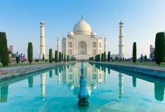 La opinión de la mañana Taj Mahal Fotos de archivo libres de regalías