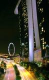 La opinión de la noche de la bahía del puerto deportivo enarena Singapur Fotografía de archivo