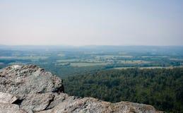 La opinión de la roca pasa por alto Imágenes de archivo libres de regalías