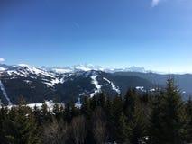 La opinión de Mont Blanc de Les consigue Foto de archivo libre de regalías