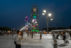 La opinión de la noche del pueblo de las Olimpiadas en Pekín, China fotos de archivo libres de regalías