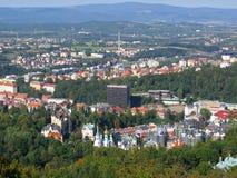 La opinión de ojo de pájaro de Karlovy varía. Foto de archivo libre de regalías