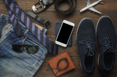 La opinión de sobremesa de accesorios forma a los hombres para el viaje Imagenes de archivo
