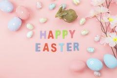 La opinión de sobremesa tiró de la decoración Pascua feliz del arreglo Fotografía de archivo libre de regalías