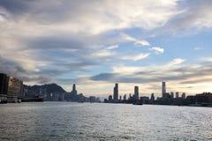 la opinión de Victoria Harbor en el transbordador HK Fotografía de archivo