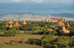 La opinión del paisaje de Bagan aclara la tierra de mil pagodas de Myanmar Imágenes de archivo libres de regalías