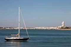 La opinión del verano de la calma riega cerca de Isla Cristina, España Imagen de archivo