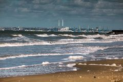 La opinión Le Have y vacia la playa en Normandía Francia Imágenes de archivo libres de regalías