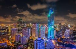 La opinión Mahanakhon de la noche de Bangkok es el nuevo edificio más alto de la prohibición Fotografía de archivo libre de regalías