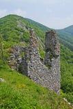 La opinión sobre el castillo Ostry Kamen Imagenes de archivo