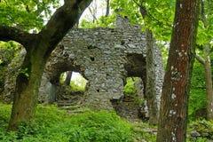 La opinión sobre el castillo Ostry Kamen Imágenes de archivo libres de regalías