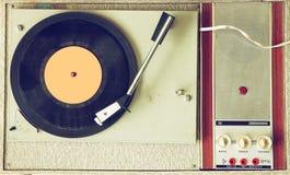 La opinión superior el viejo tocadiscos, imagen es retra filtrada Imágenes de archivo libres de regalías