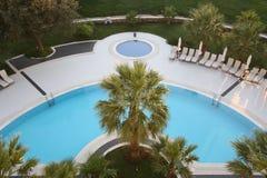 La opinión superior sobre piscina Fotos de archivo libres de regalías
