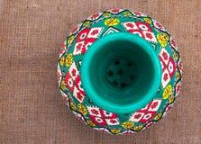 La opinión superior un egipcio handcrafted el tarro de cerámica artístico Fotografía de archivo