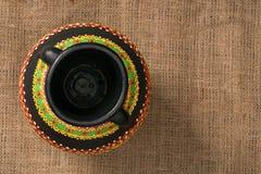 La opinión superior un egipcio negro handcrafted el tarro de cerámica artístico Fotos de archivo libres de regalías