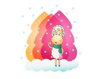 La oveja del encanto está caminando en bosque de la nieve Imagen de archivo
